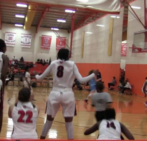 15-Year Old Canadian Laeticia Amihere Throws Down Hard One-hander