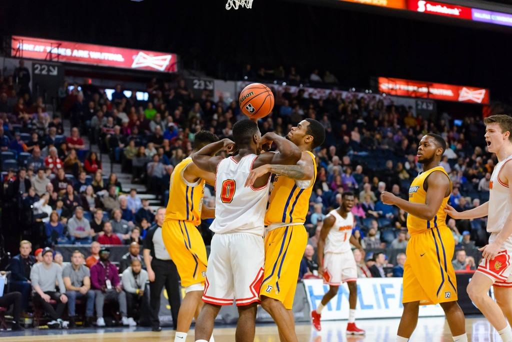 Calgary Dinos David Kapinga Flexing Usports National Basketball Mens Championship