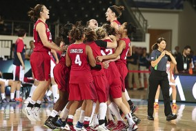 Canada-Basketball-Senior-Womens-Celebrate-FIBA