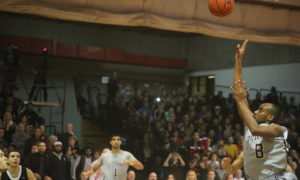 Gee-Gees make loud statement with 68-66 thrilling win over Carleton