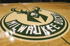 Milwaukee-Bucks_new-court-2015