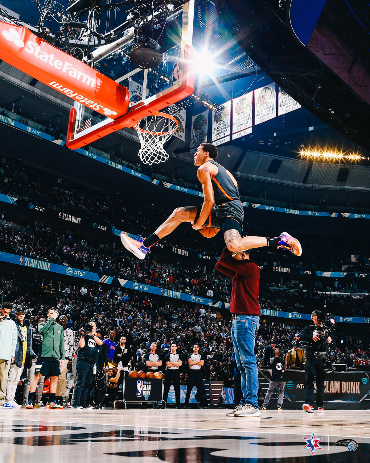 aaron gordon between the legs dunk 2020 nba dunk contest in chicago