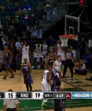 Brady Heslip splashes 11 threes, 40 points in 24 minutes in NBA D-League debut