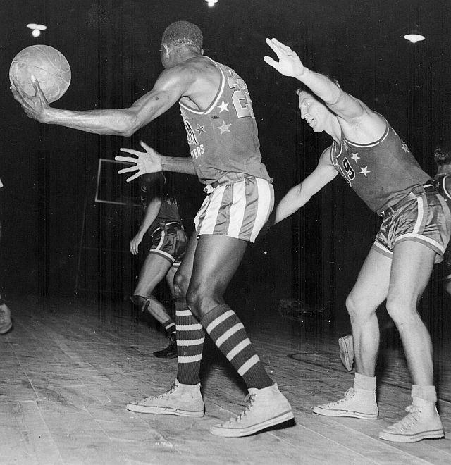 Canadian basketball 1940s norm baker guarding harlem globetrotters