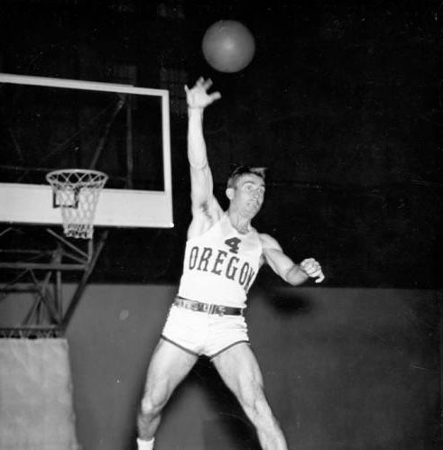 Canadian basketball in the 1940's - Canada's George Andrews playing for the NCAA Oregon Ducks