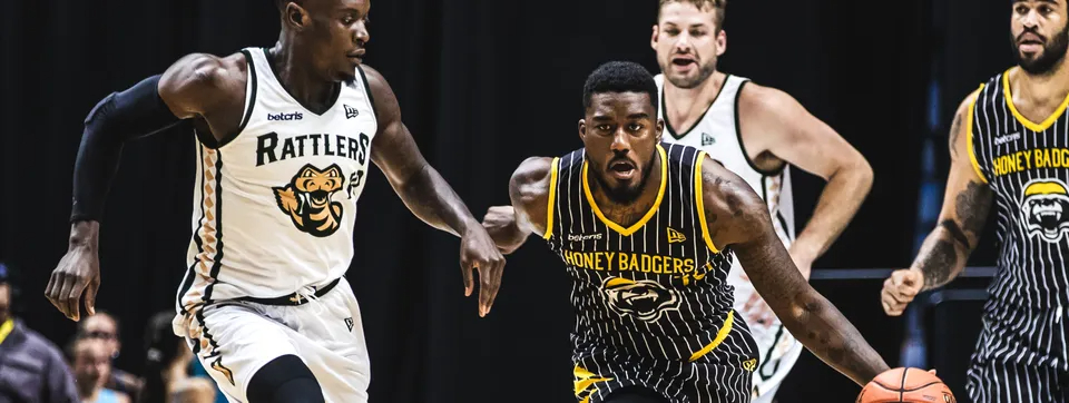Hamilton Honey Badgers player handles ball