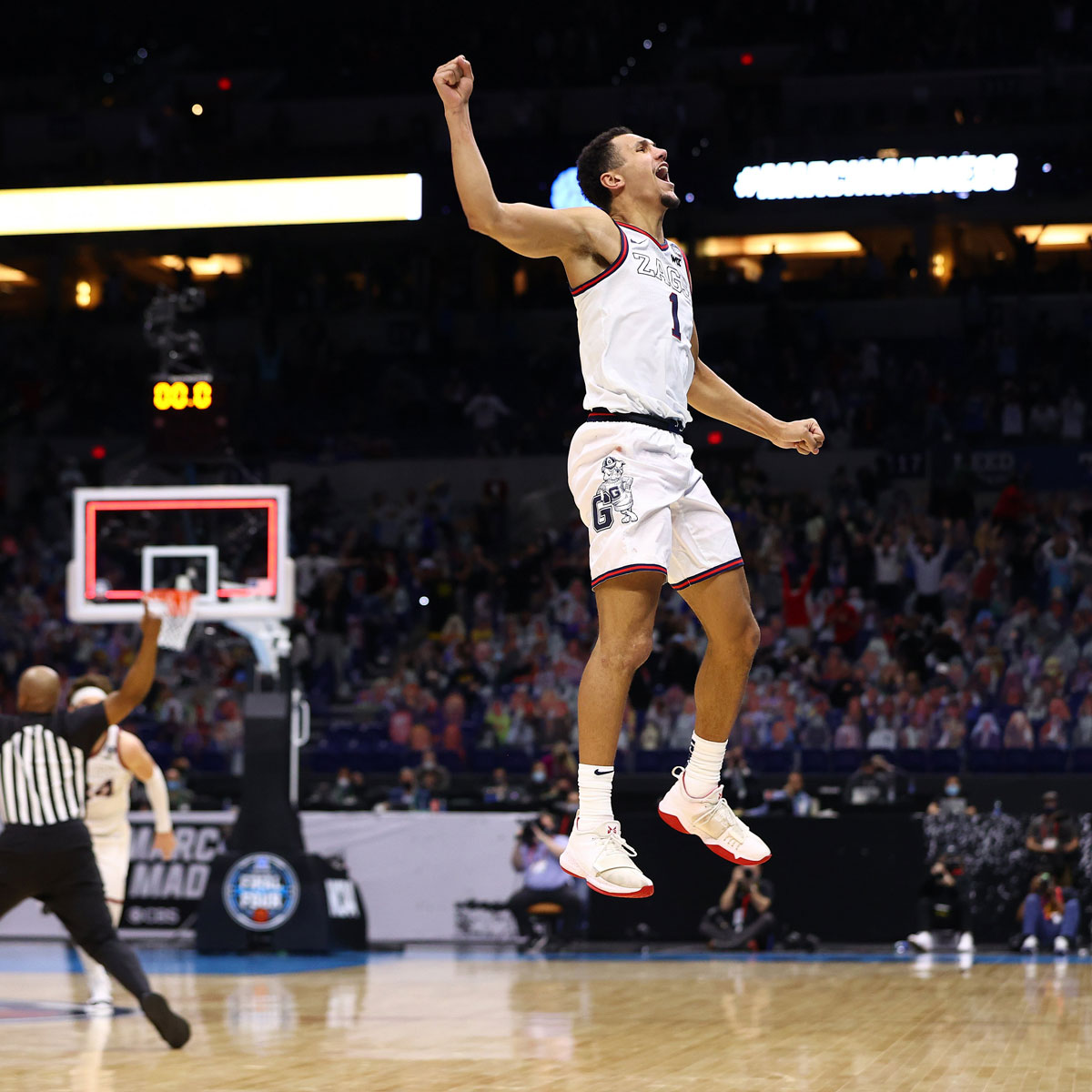 Gonzaga Bulldogs Jalen Suggs Celebrates After Classic Buzzer Beater Over Ucla Bruins 2021 Final Four