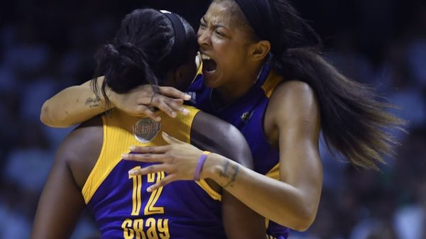 Gray Jumper Lifts Sparks Over Lynx In WNBA Finals Game 1