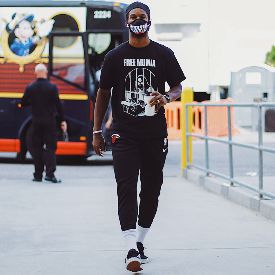 Jimmy Butler Arrives For 2020 Nba Playoffs Game Wearing A Free Mumia Tshirt