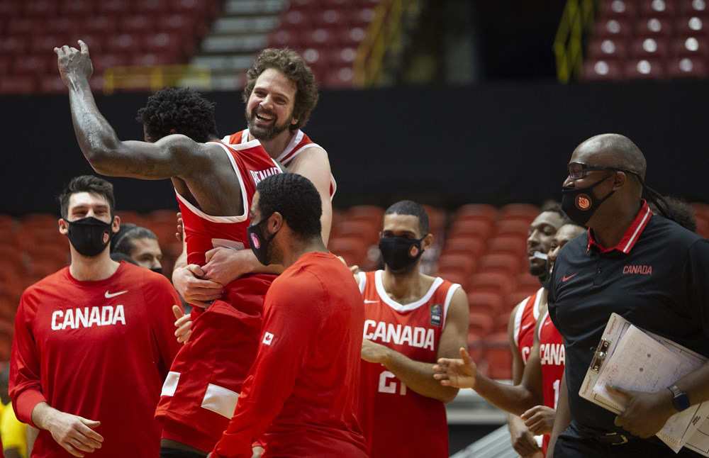 Kyle Landry And Anthony Bennett Canada Basketball Celebrate 95 93 Win Over Us Virgin Islands