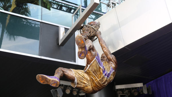 Laker Gold Will Immortalize Shaq Bronze