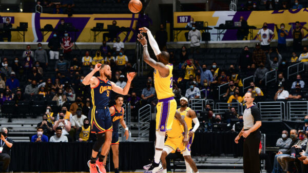 Lebron James Three Point Dagger Over Stephen Curry Lifts Los Angeles Lakers Over Andrew Wiggins And Golden State Warriors