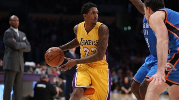 Lou Williams Makes It Rain But Lakers Can'T Weather Thunder Storm In Los Angeles