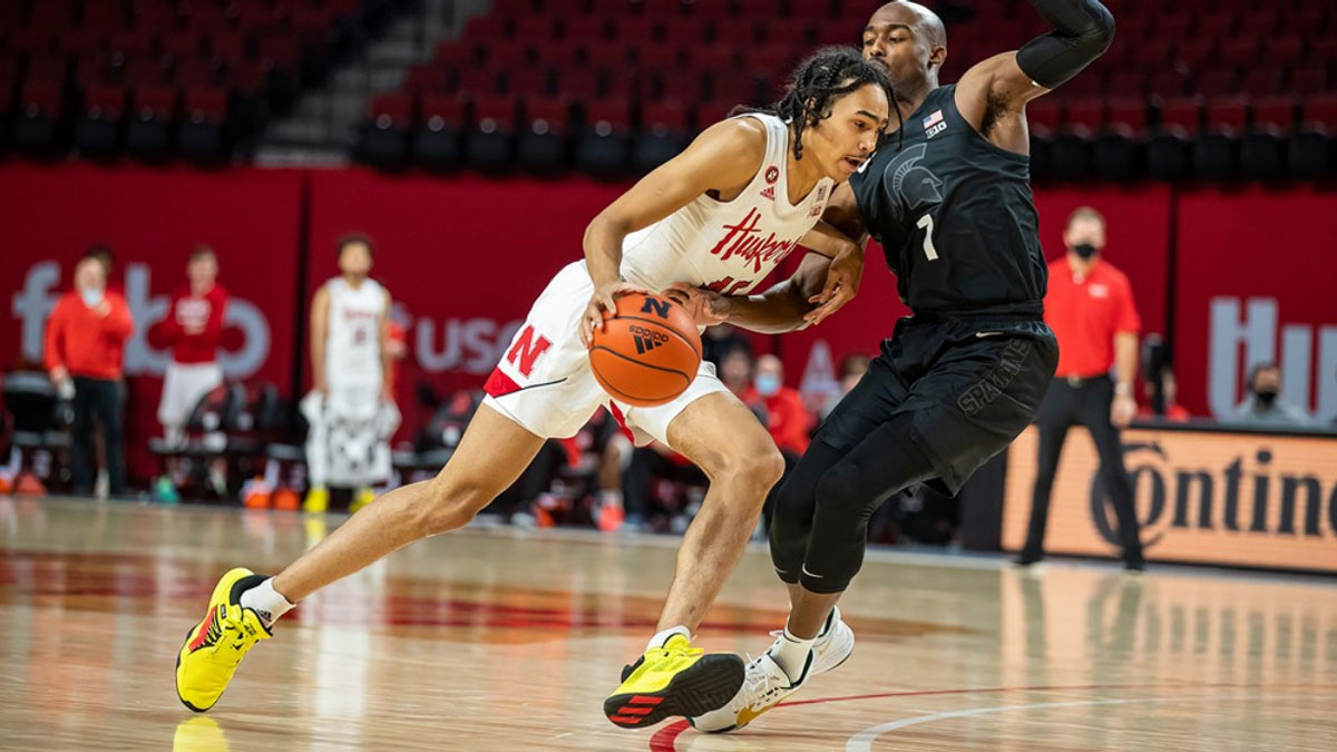 Nebraska Cornhuskers canadian guard dalano banton declares for 2021 NBA Draft