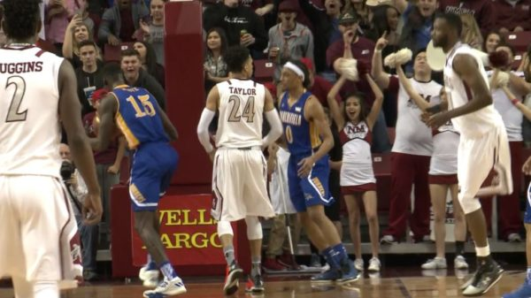 New Mexico St. Aggies Matt Taylor Absolutely Destroys Two Bakersfield Defenders