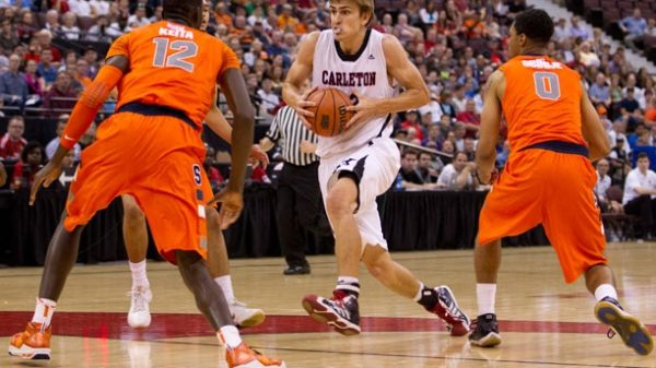Tyler Ennis Syracuse Orange Survive Carleton Ravens 69 65 In Classic Ncaacis Overtime Thriller
